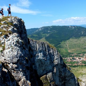 "One-day hike to ""Piatra Secuiului"" and the village of Rimetea"