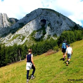 "One-day hike to ""Scăriţa Belioara"" Nature Reserve"
