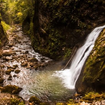 5 days hiking and sightseeing in Apuseni Nature Park